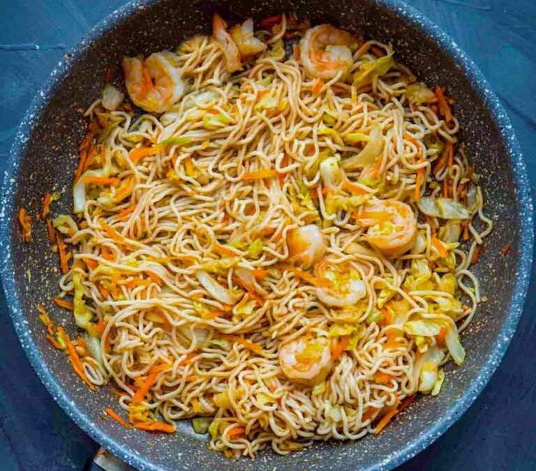 Noodles Slim Pasta salteados con gambas